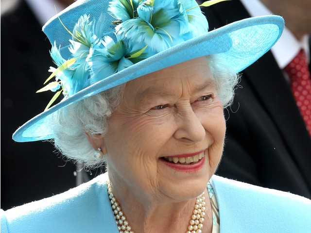 elizabeth ii hires catering assistant cleaner confessions