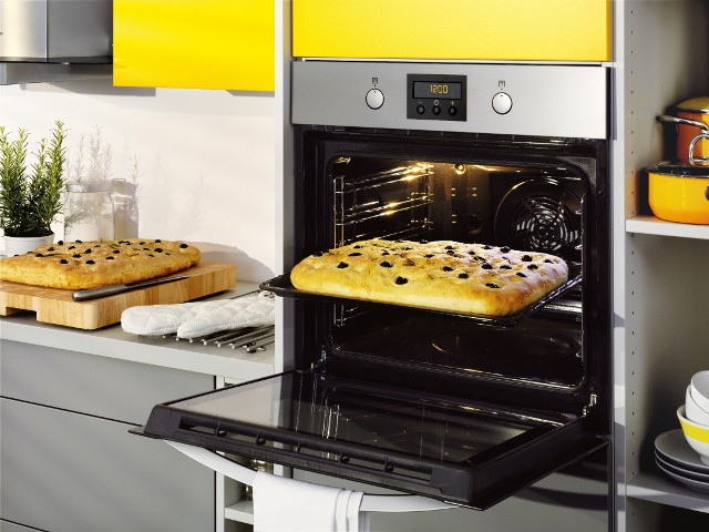 cleaning the oven - most avoided